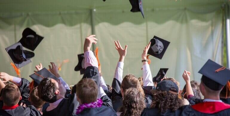 Why Contract Engineering Jobs Are Great For Recent Grads