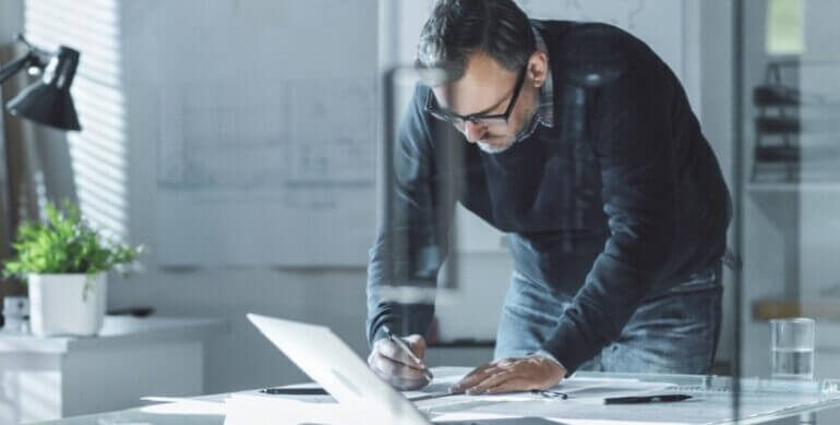 3 Things to Consider Before Selecting a Contract Engineer